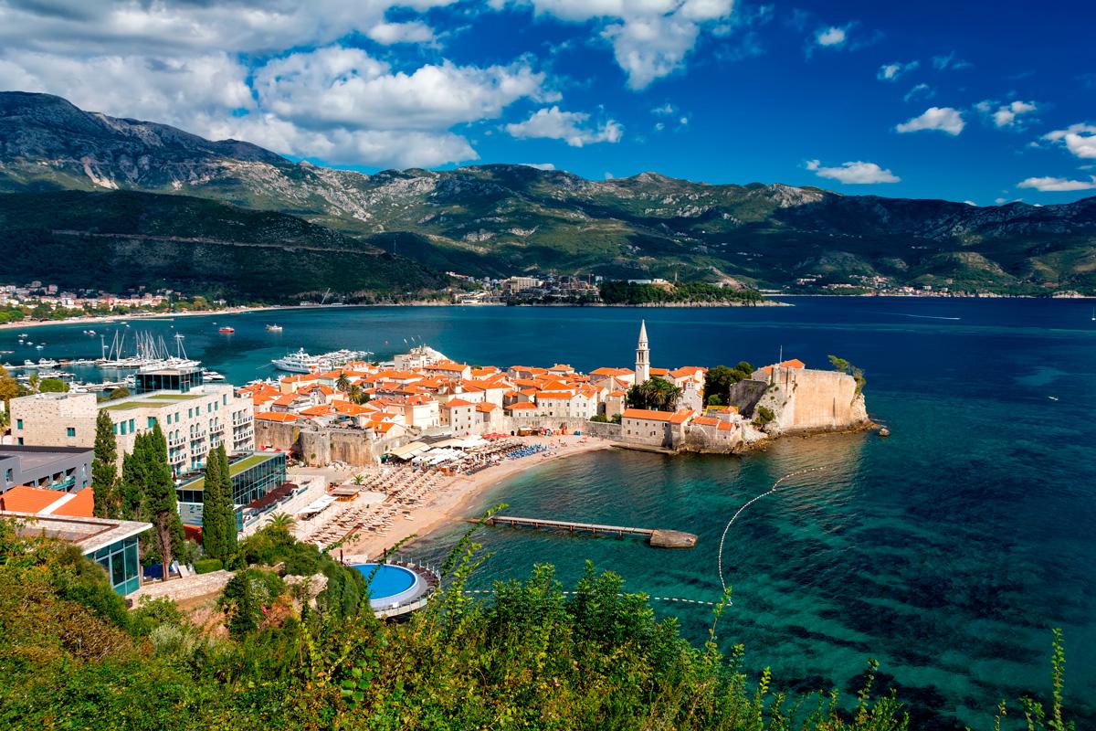 Горящий тур в Черногорию!
